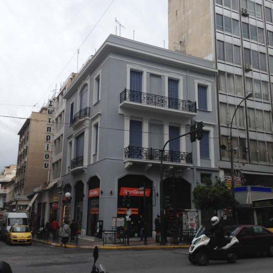 Αναπαλαίωση νεοκλασικού κτιρίου στον Πειραιά